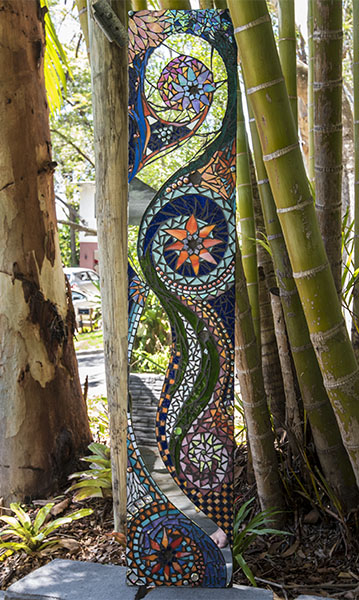 Garden art mosaic by Amayz Mosaics Sunshine Coast